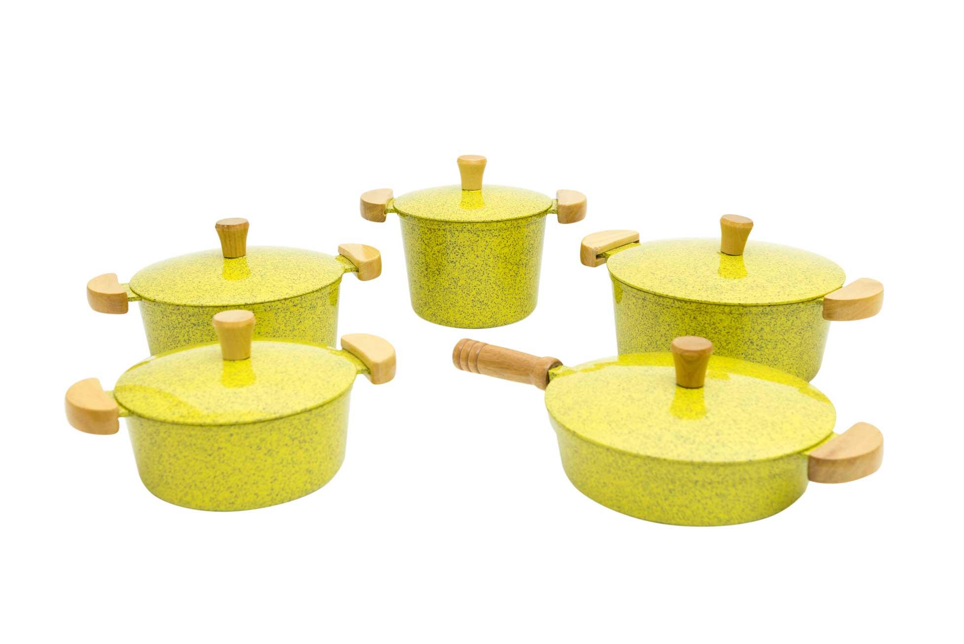 Jogo de Panelas em Alumínio Batido com Frigideira e Caldeirão - Amarelo Mesclado